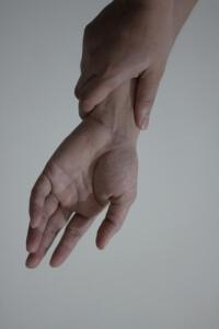 wrist-pain-5-14114981